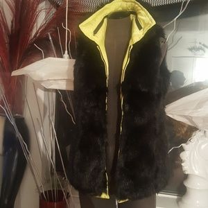Moda International Fake FurVest Black & Yellow med